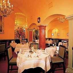 Breakfast room within restaurant König von Ungarn Fotos
