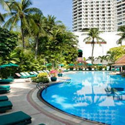 Pool Royal Orchid Sheraton Hotel & Towers Fotos