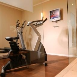 Fitness room Leonardo City West Fotos