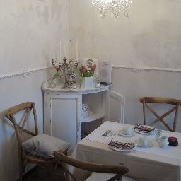 Breakfast room within restaurant Barbarossa Garni Fotos