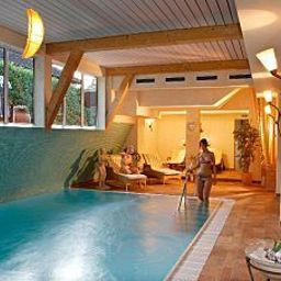 Pool Harms Wellness-Hotel Fotos
