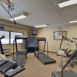 Wellness/Fitness Howard Johnson Hotel - Newark Arpt Fotos