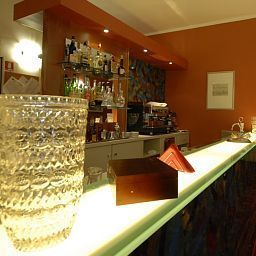 Bar Urbani Fotos
