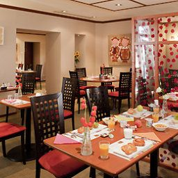 Breakfast room within restaurant all seasons Colmar Centre (futur ibis Styles) Fotos