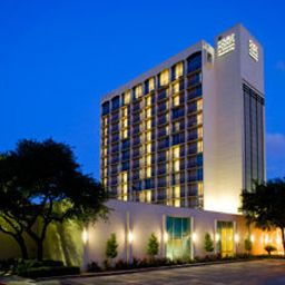 Vista exterior Memorial City Four Points by Sheraton Houston Hotel & Suites Fotos
