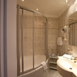 Bathroom TRYP by Wyndham (ex Grand City Strandhotel Ahlbeck) Fotos