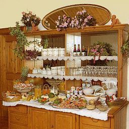 Buffet Seibel Pension Fotos