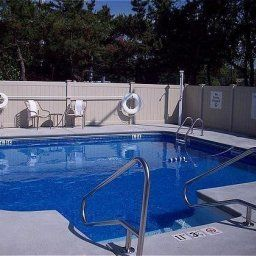 Pool Days Inn Saugus Logan Airport Fotos