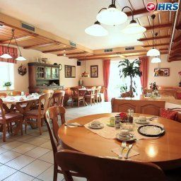 Breakfast room within restaurant Company Fotos