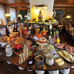 Breakfast room within restaurant Zum Hirschen Gasthof Fotos