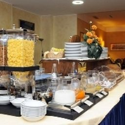 Buffet Quality Hotel Continental Brescia Fotos