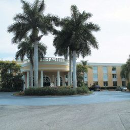 La Quinta Inn & Suites Naples Downtown Naples