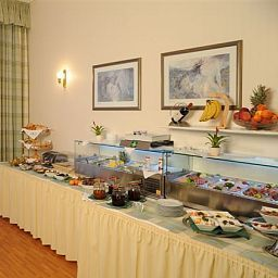 Buffet Comfort Hotel Am Kurpark Fotos