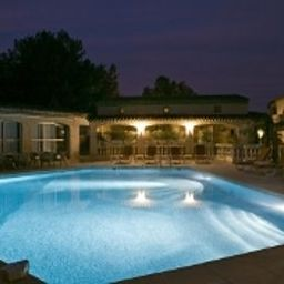 Pool Best Western Castel Provence Fotos