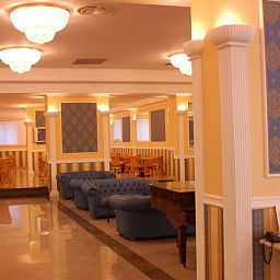 Hall Grand Hotel Plaza Fotos