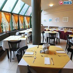 Breakfast room within restaurant Corvin Fotos
