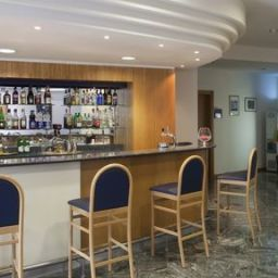 Bar Holiday Inn Express FOLIGNO Fotos