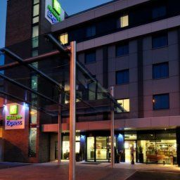 Exterior view Holiday Inn Express LONDON - HEATHROW T5 Fotos