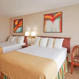Habitación Holiday Inn NIAGARA FALLS - BY THE FALLS Fotos