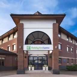 Фасад Holiday Inn Express WARWICK - STRATFORD-UPON-AVON Fotos