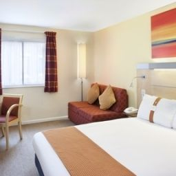 Номер Holiday Inn Express WARWICK - STRATFORD-UPON-AVON Fotos
