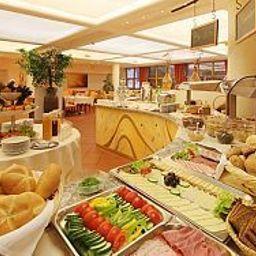 Buffet Best Western Plus Parkhotel Brunauer Fotos