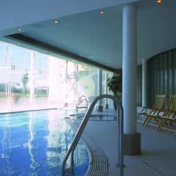 Pool Hilton London Heathrow Airport Fotos