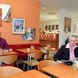 Breakfast room within restaurant ibis Wuppertal City Fotos