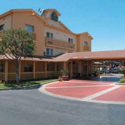 La Quinta Inn &amp; Suites Irvine Spectrum Irvine