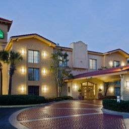 Exterior view La Quinta Inn Orlando Airport West Fotos