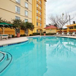 Pool La Quinta Inn & Suites Greenville Haywood Fotos