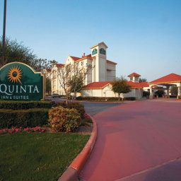 Vista exterior La Quinta Inn & Suites Dallas Arlington South Fotos