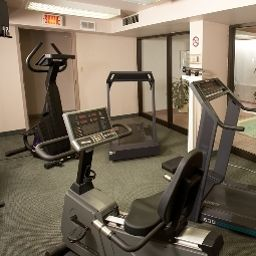 Fitness QUALITY INN & SUITES P.E. Trudeau Airport Fotos