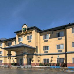 Quality Suites Near Convention Center Anchorage