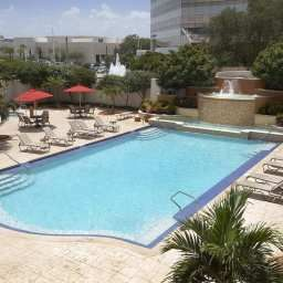 Pool Embassy Suites Tampa  AirportWestshore Fotos
