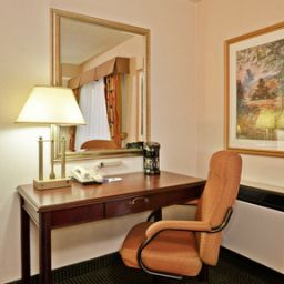 Habitación Holiday Inn Express TORONTO-AIRPORT AREA/DIXIE RD Fotos