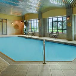Piscine Holiday Inn Hotel & Suites OAKVILLE @ BRONTE Fotos