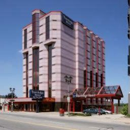 Exterior view Travelodge Hotel Niagara Falls By the Falls Fotos