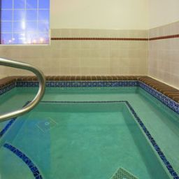 Piscina Holiday Inn Express Hotel & Suites SIOUX FALLS AT EMPIRE MALL Fotos
