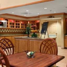 Restaurante Homewood Suites Tallahassee FL Fotos