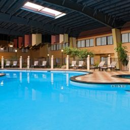 Piscine NY - WOLF ROAD Holiday Inn ALBANY Fotos