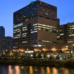 Holiday Inn CHICAGO-MART PLAZA (RIVERVIEW)