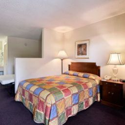Chambre Howard Johnson Enchanted Land Hotel Kissimmee FL Fotos