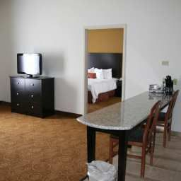 Room Hampton Inn  Suites North Toledo Ohio Fotos