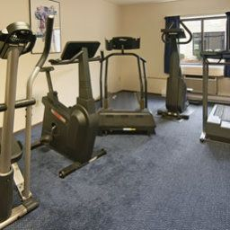 Wellness/fitness area Ramada Waukesha Hotel Fotos