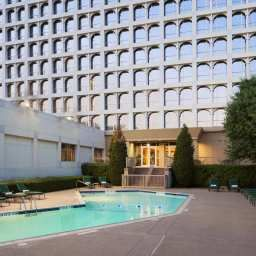 Pool DoubleTree by Hilton Dallas - Market Center Fotos