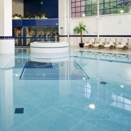 Pool Holiday Inn LONDON - SUTTON Fotos