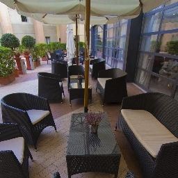 Terrasse Holiday Inn Express ROME - SAN GIOVANNI Fotos