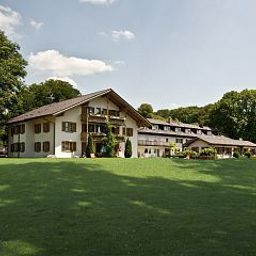 Exterior view Huber am See Landhotel Fotos