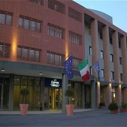 Vista esterna Holiday Inn Express PARMA Fotos